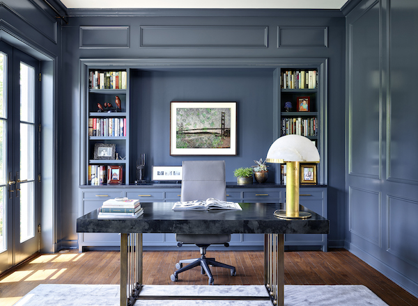 Home_office_with_lacquered_walls