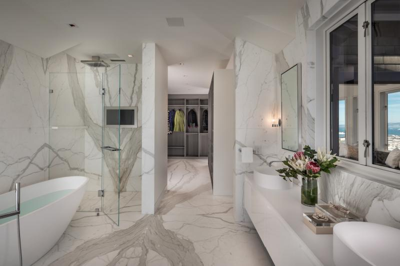 Residence 950 bathroom