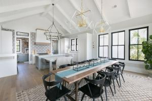 House-design-minimalism-traditional-architecture-open-kitchen-dining-room