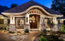 Craftsman-style portico