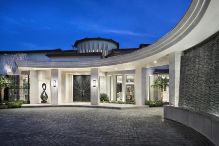 Semi-circular front entrance