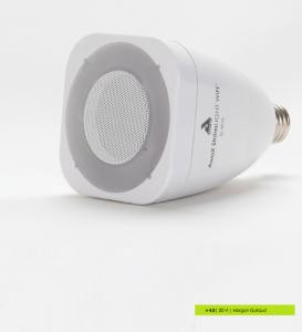 Striim Light Bulb with Wi-Fi
