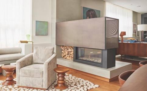 Fireplace with metal mesh
